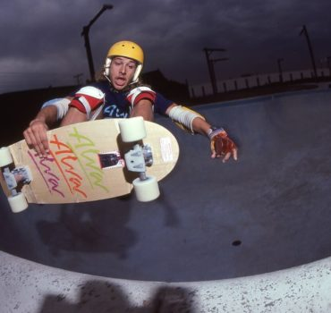 the-tony-Alva-story-by-les-ecrans-terribles